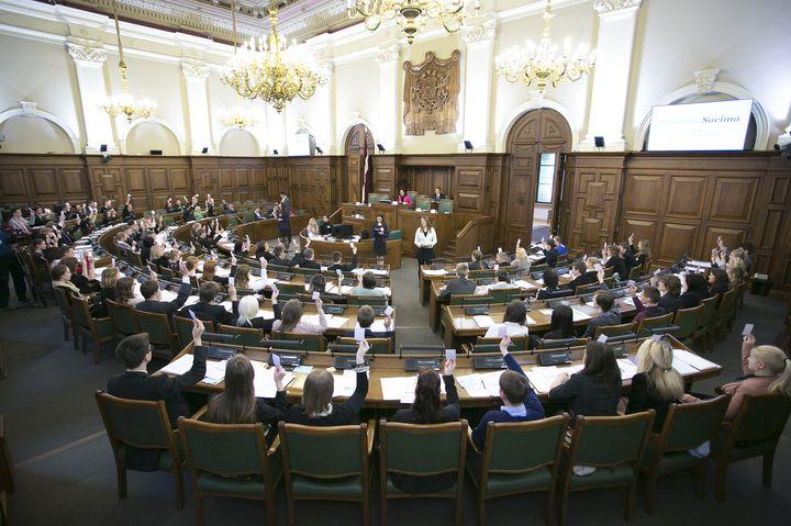 Vai 13. Saeimas vēlēšanas būs izaicinājums demokrātijai